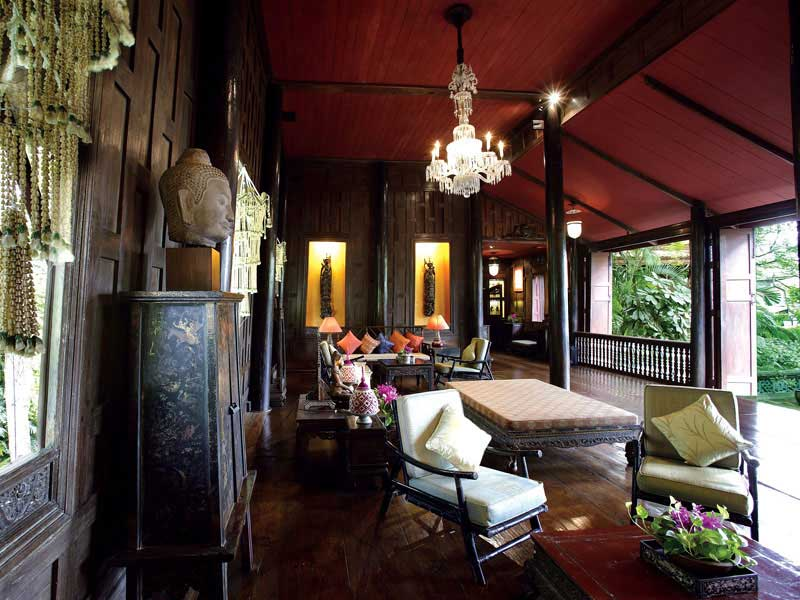 Interieur maison thailandaise for Decoration murale thailandaise