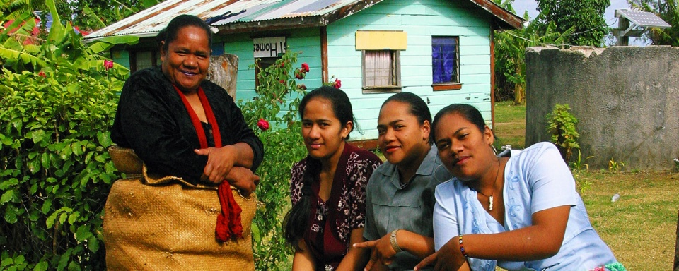 Famille tongienne © Tonga Visitors Bureau